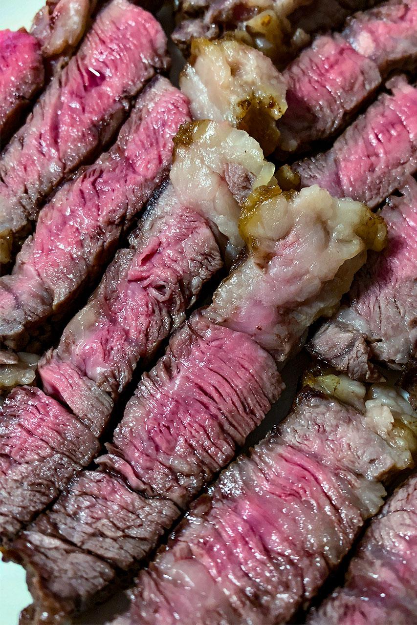 鰻とキビナゴとステーキ ひと手間で鰻重が美味しくなる