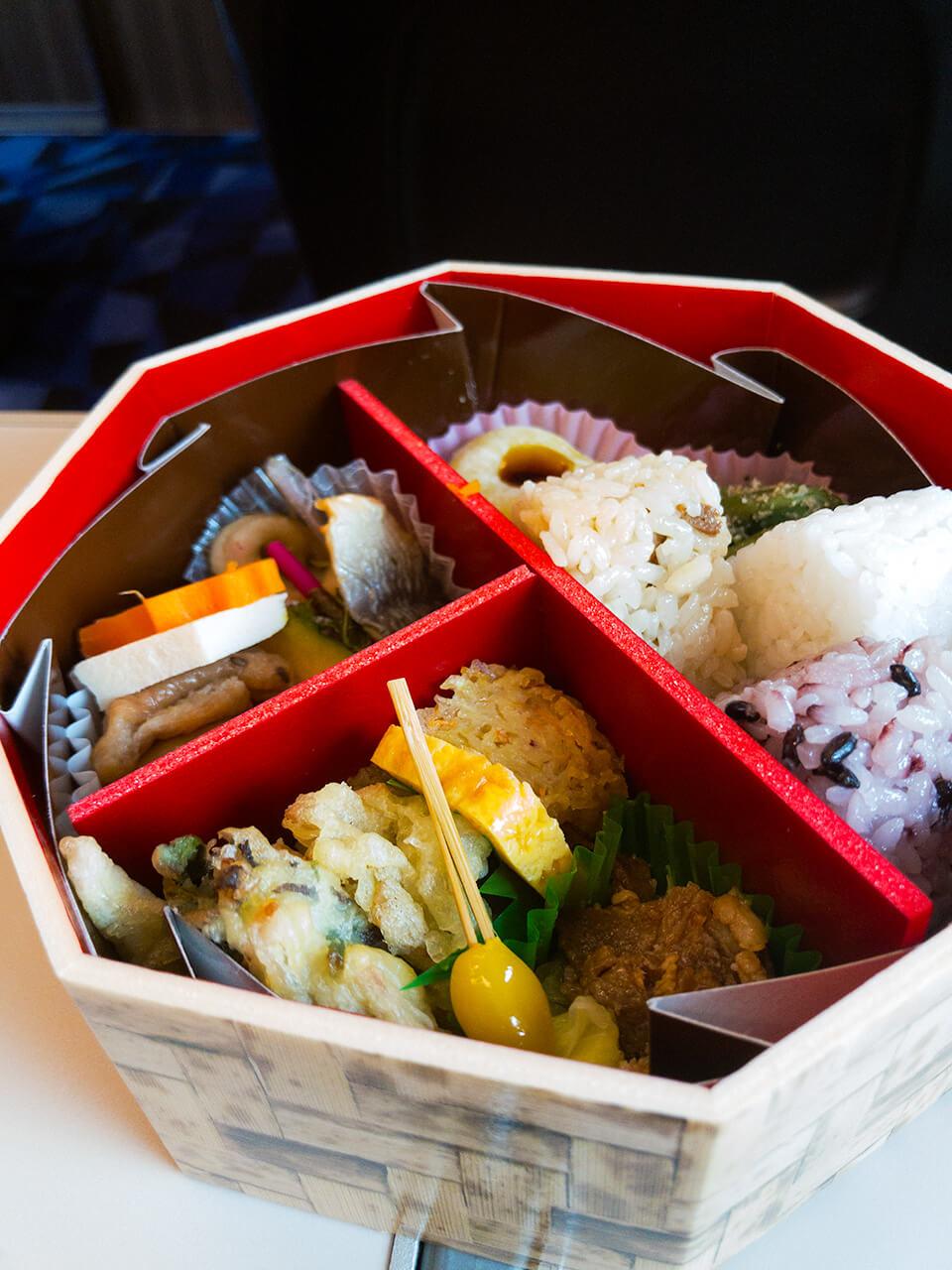 東京駅 駅弁屋 祭 女将のおもてなし弁当