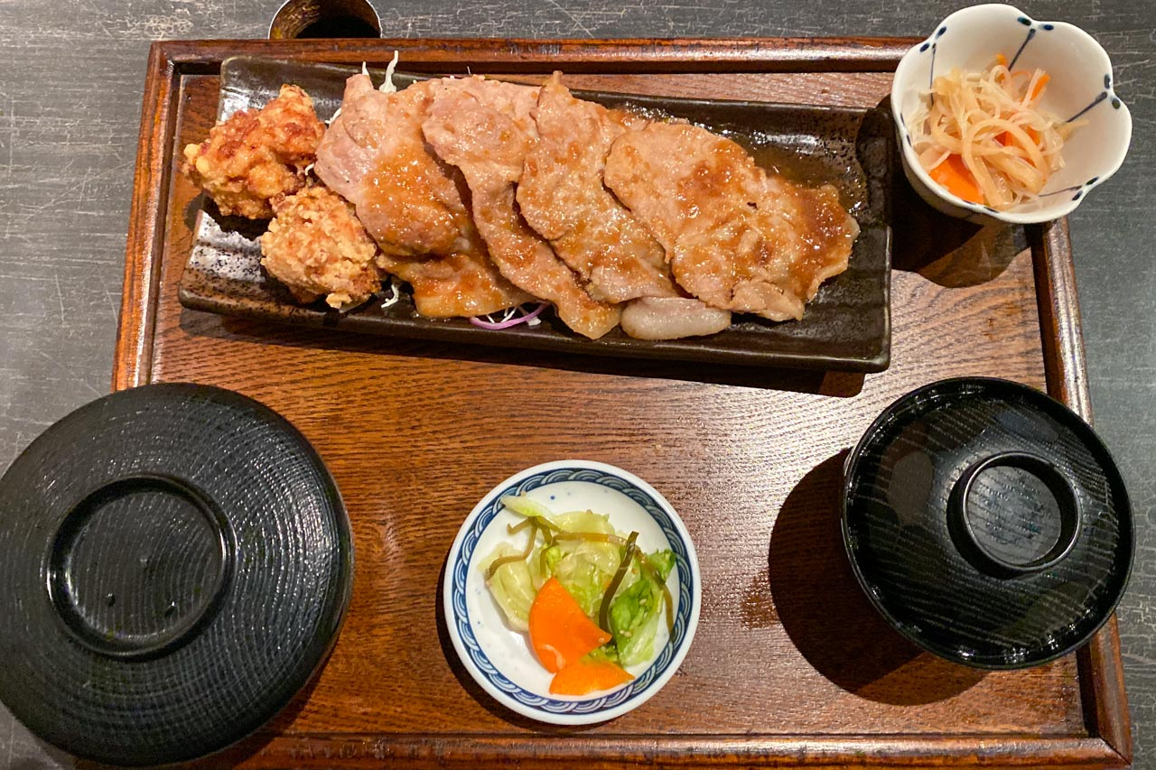 豚肩ロース生姜焼き・鳥唐揚げ定食