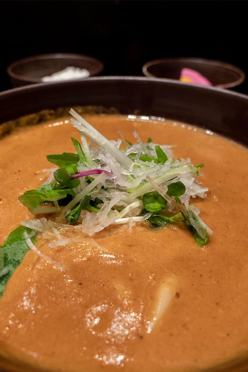 東京都大田区 羽田空港 カレーうどん cuud 蒸し野菜付き