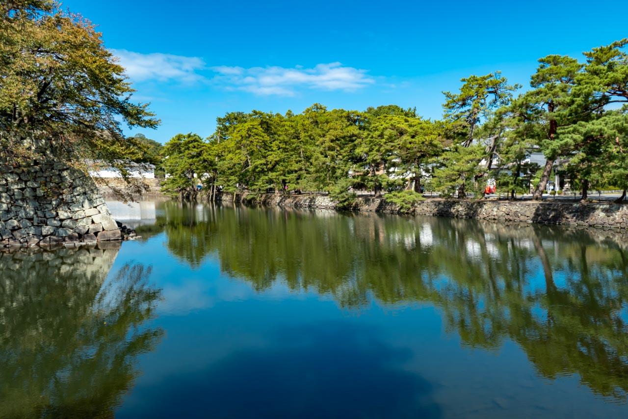 彦根城 中堀といろは松 昼間
