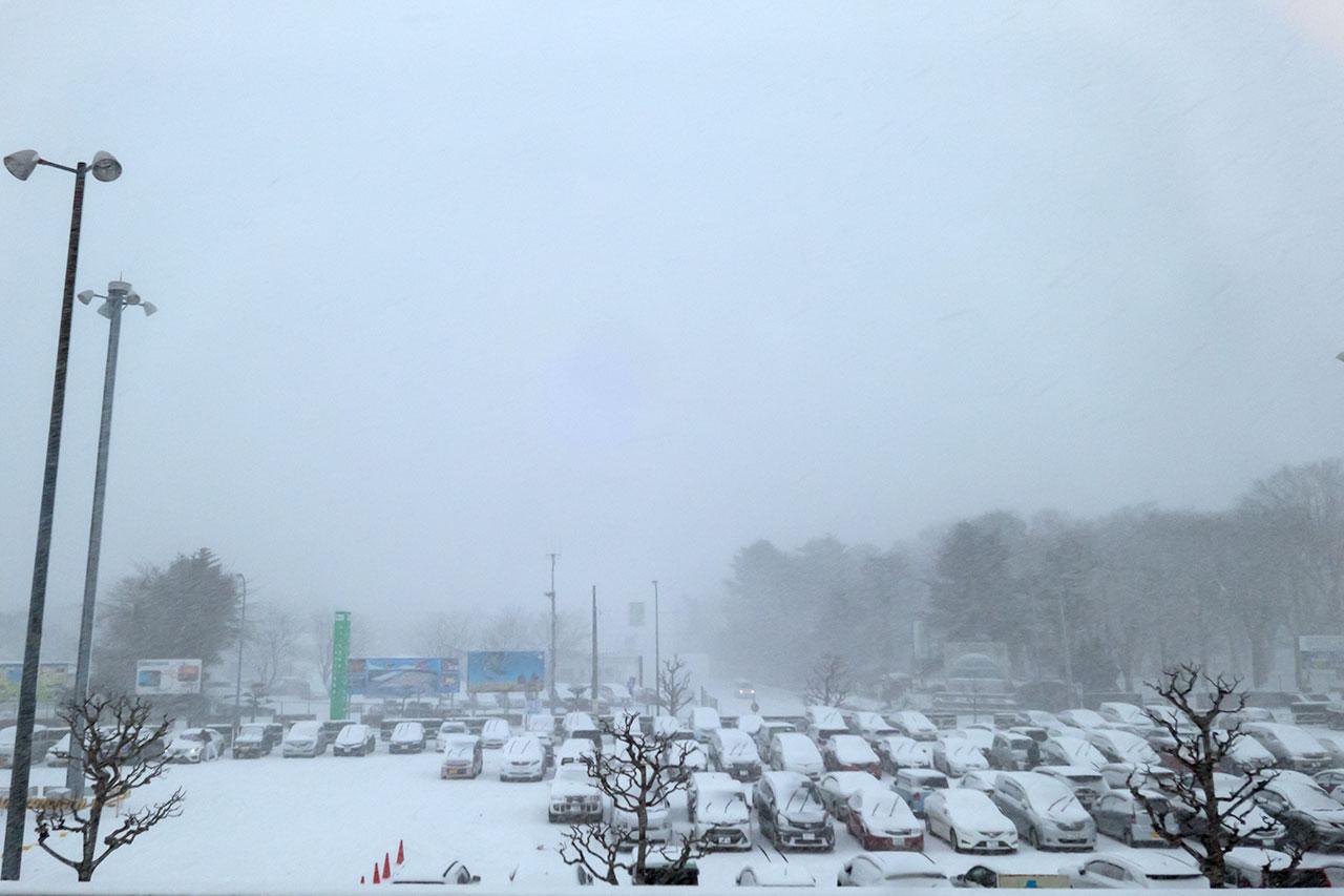 雪の三沢空港