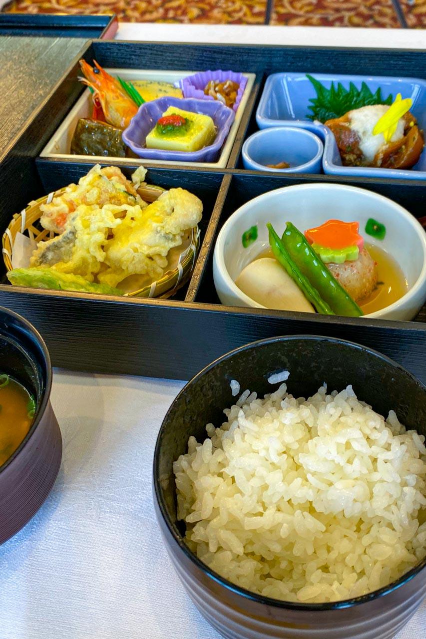 長崎市 稲佐山観光ホテル 朝食とランチ
