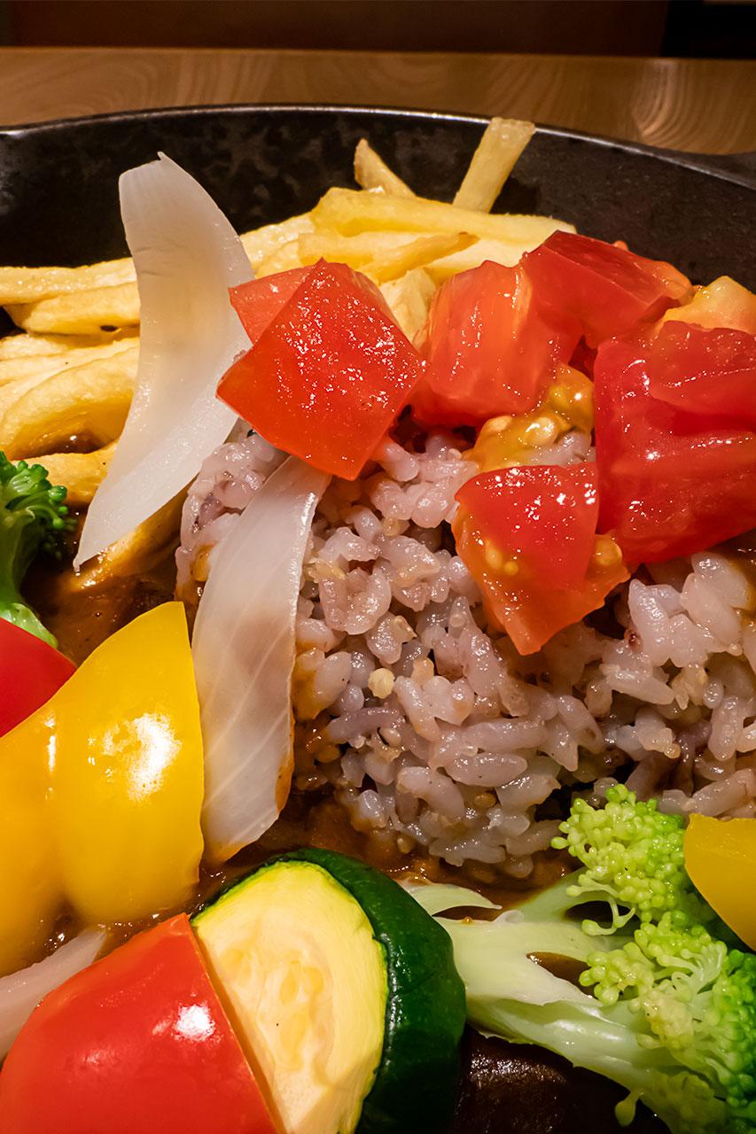 名古屋駅 フミーズグリル 一日分の野菜の鉄板カレー