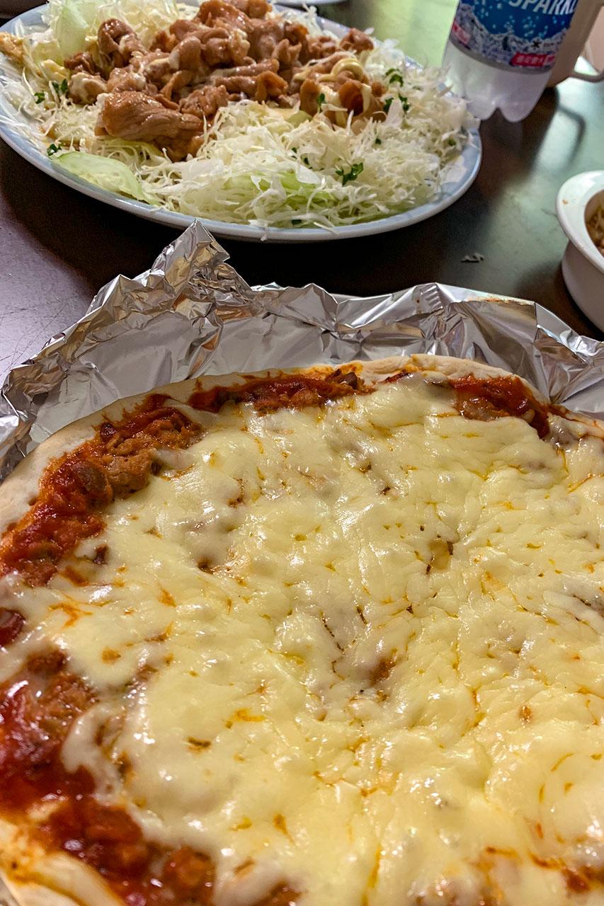 ハンバーグミートピザ