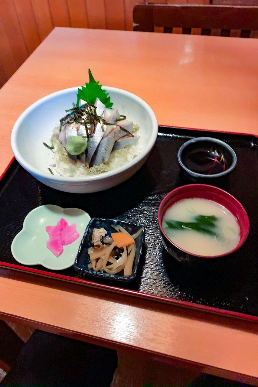 〆鰊ギンギラ丼