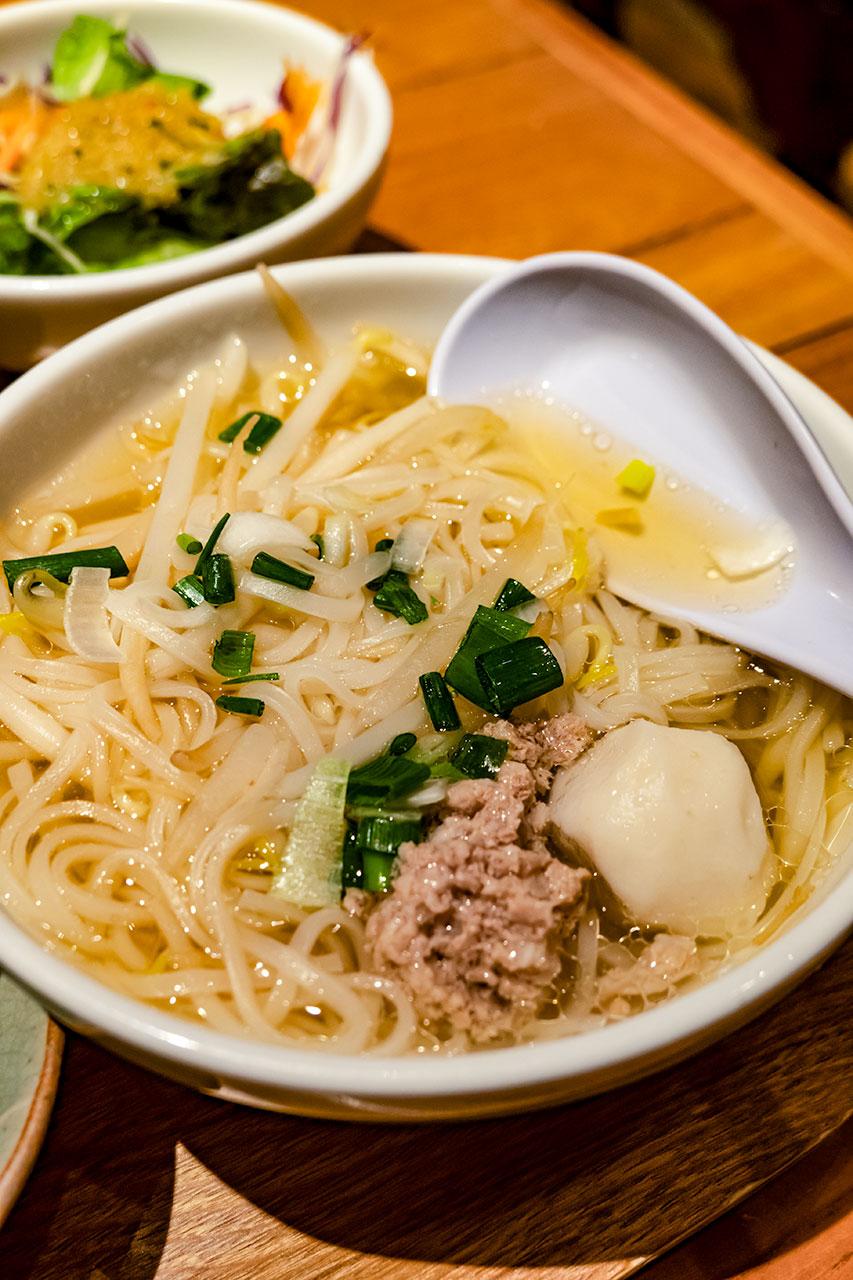 タイ料理 サイアム セラドン東京 タイ醤油ラーメン