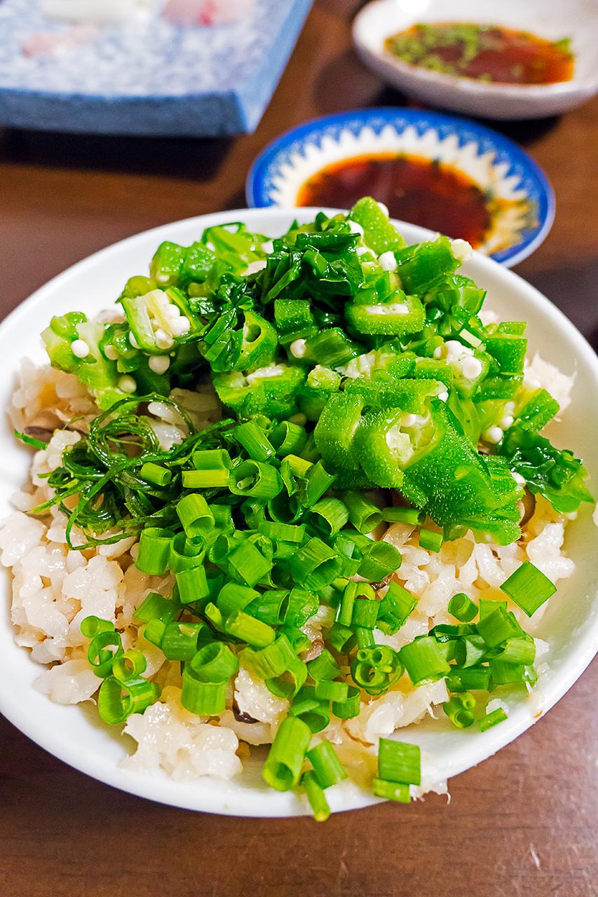 白身魚とシイタケの炊き込みご飯