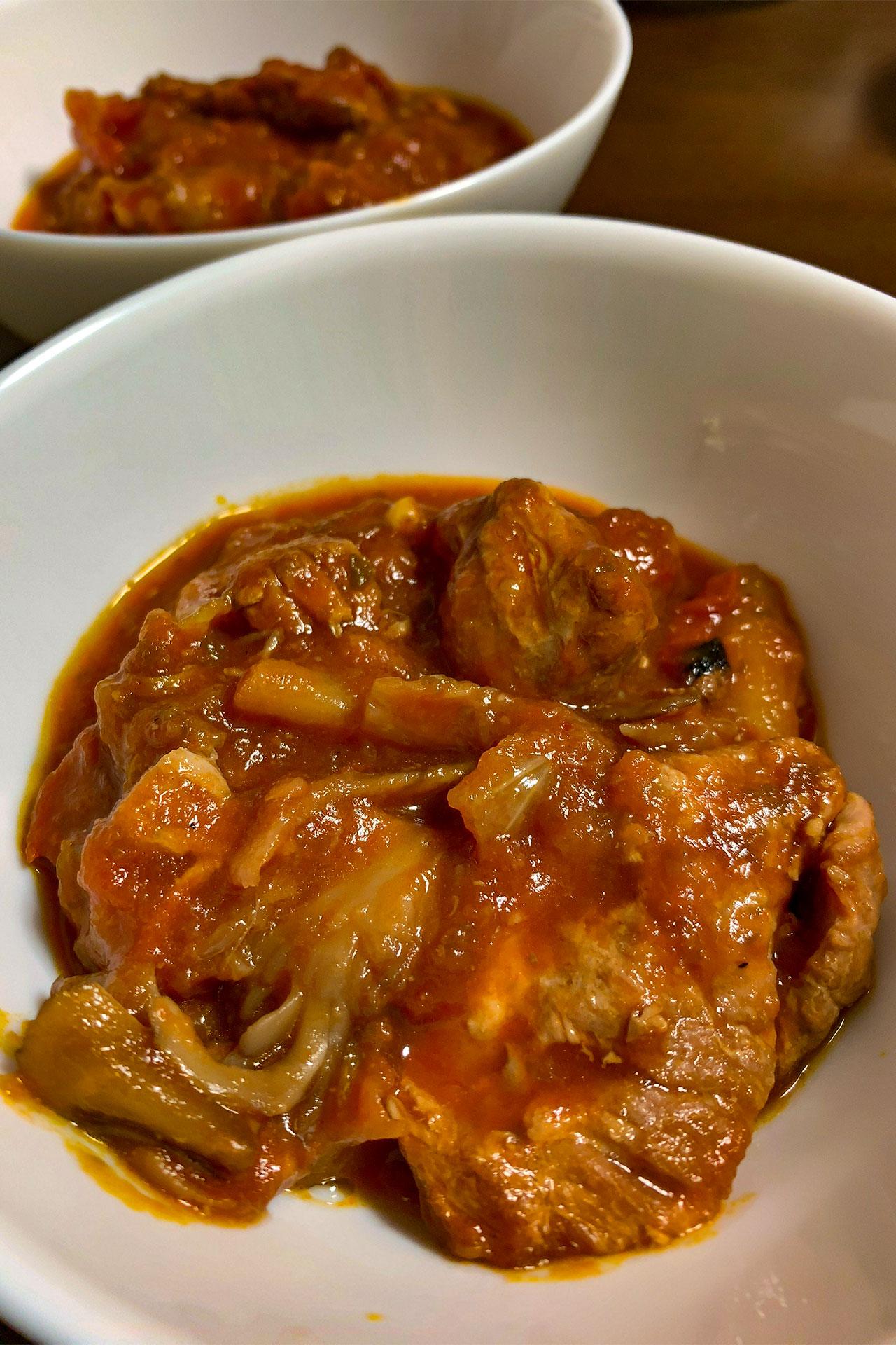 豚すね肉と野菜のトマト煮込み