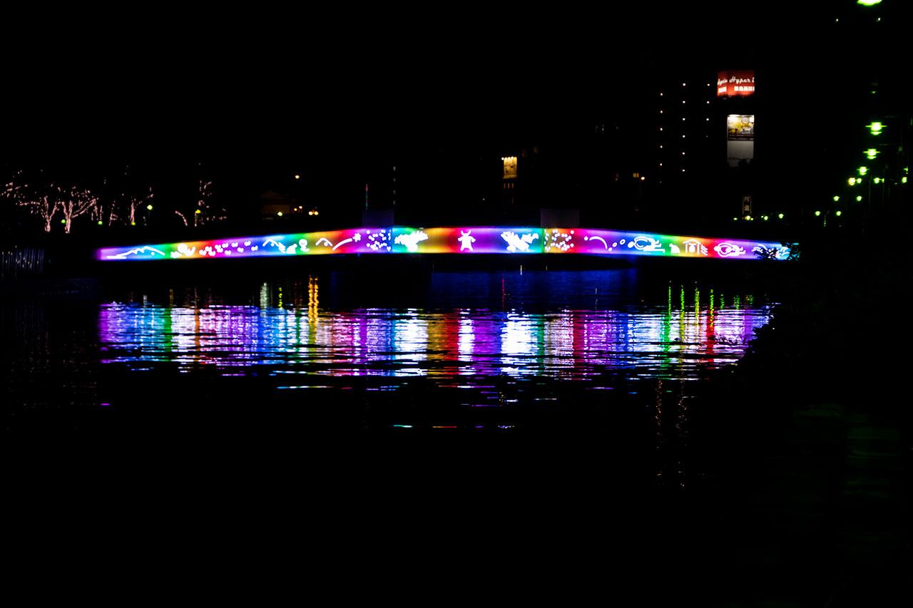 新町川 橋のライトアップ夜景