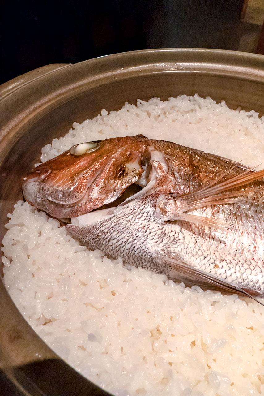 徳島駅 徳島魚問屋 鯛めし とと喝
