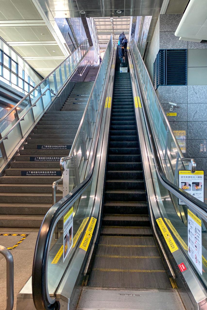 台中駅エスカレーター