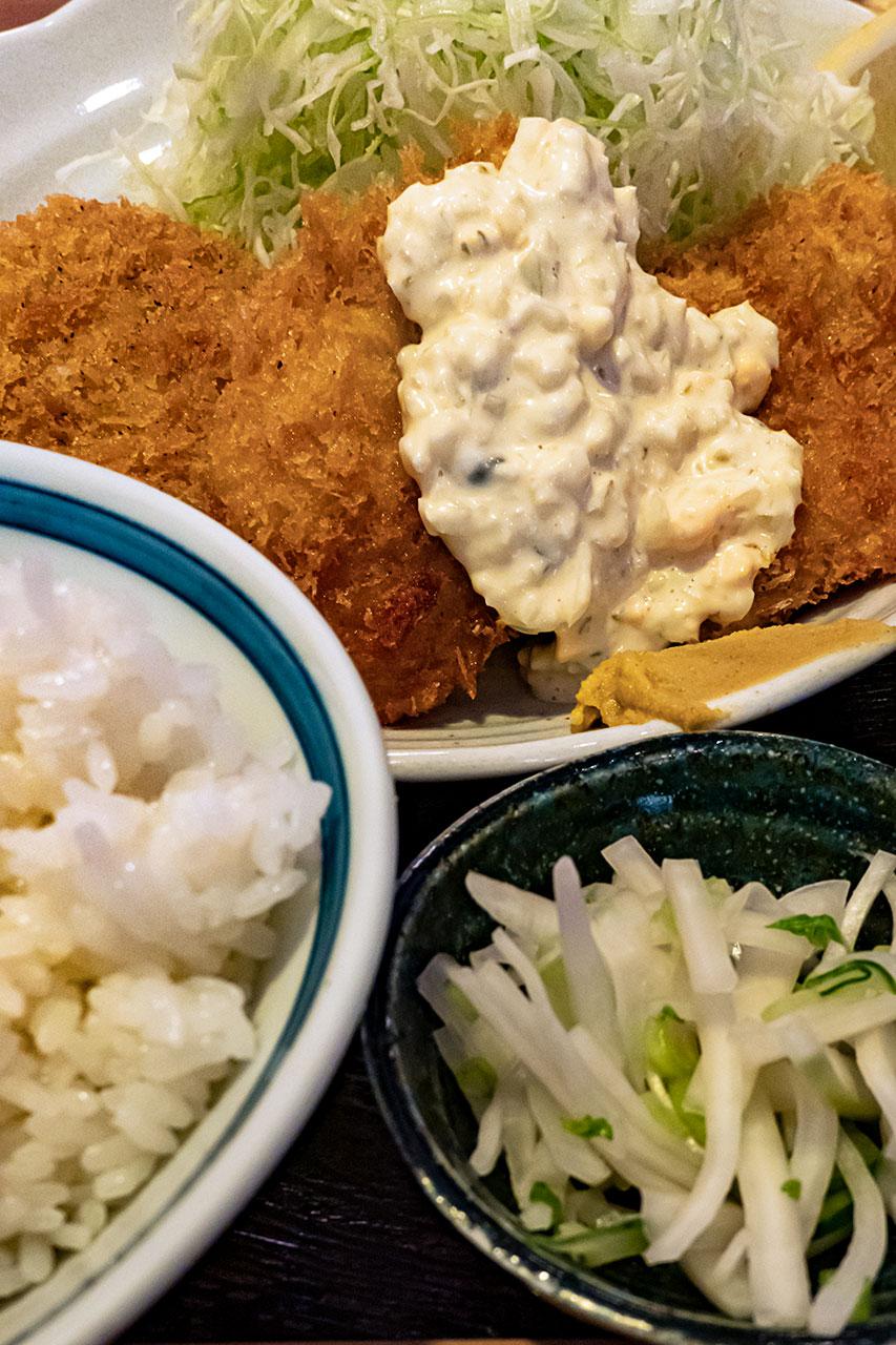 白身魚フライとコロッケ定食